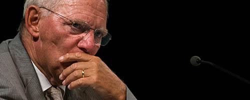 Wolfgang Schäuble als aufmerksamer Zuhörer