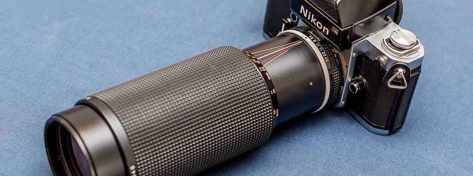 AIS NIKKOR 100-300mm 1:5.6 an Nikon F2